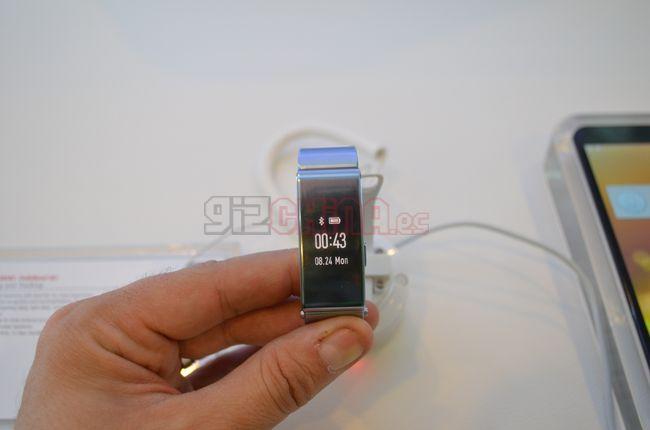 Huawei-talkband-b2-mwc15-6