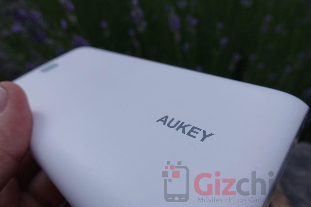 aukey-powerbank-20000-1