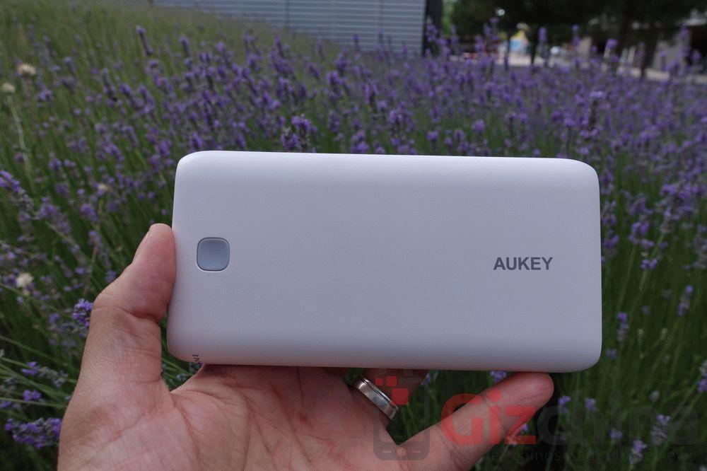 aukey-powerbank-20000-12