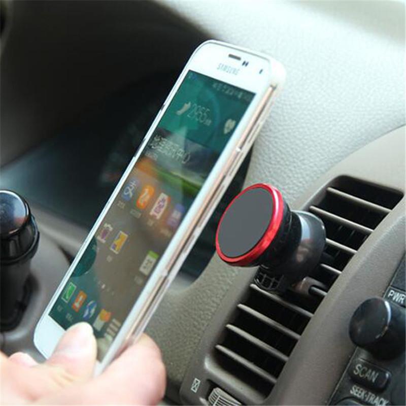 ec88662fd2c Llevar el móvil en el coche, a veces, resulta bastante incómodo, y, por  eso, aparecen numerosos inventos que nos facilitan la tarea en gran medida  y, una de ...